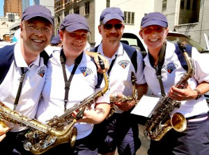 smiling saxes pit